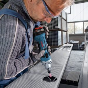 משחזת ציר נטענת Bosch GGS 18V-LI בוש