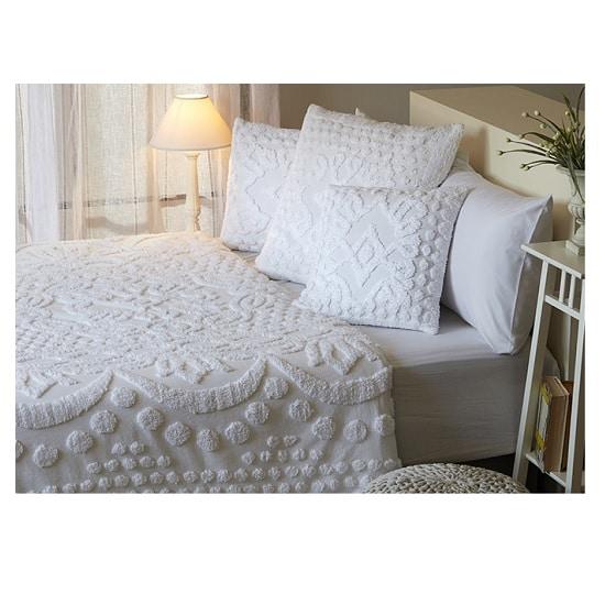 כיסוי מיטה זוגי דגם ג'ורג'יה מביתHOMESTYLE - לבן