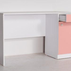 שולחן כתיבה בשלל צבעים