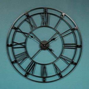 שעון קיר רומי עשוי מתכת שחור