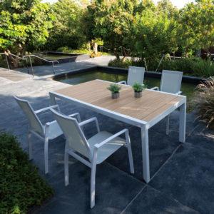 מערכת ישיבה דגם ruby שולחן עד 300 כולל 4 כיסאות
